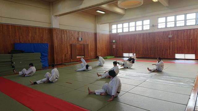 後方受身の練習.JPG